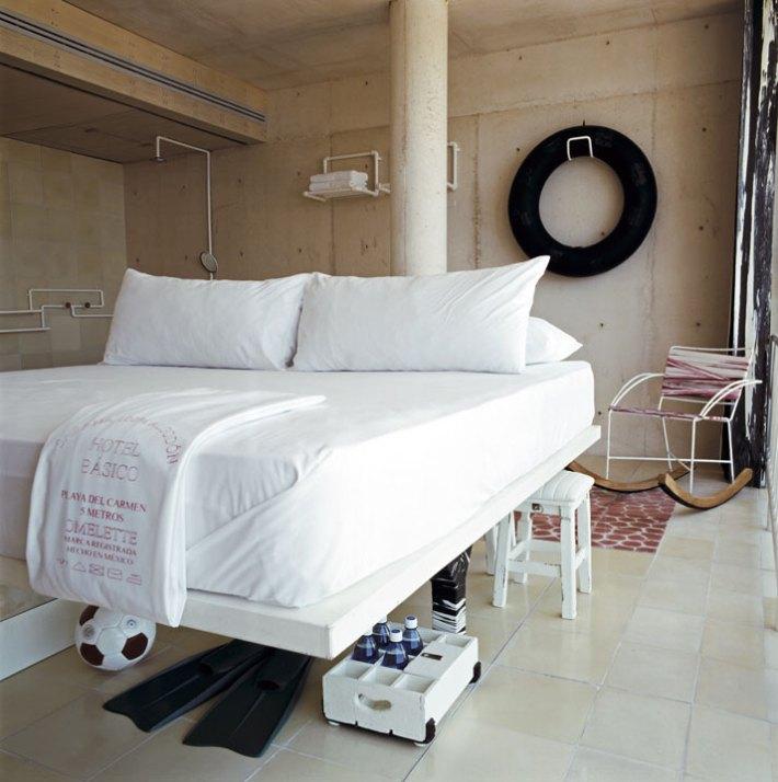 Hotel Básico, habitación.